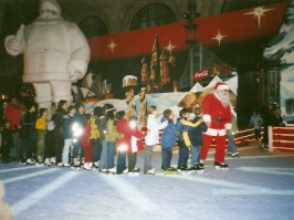 Polonäse mit Santa Claus